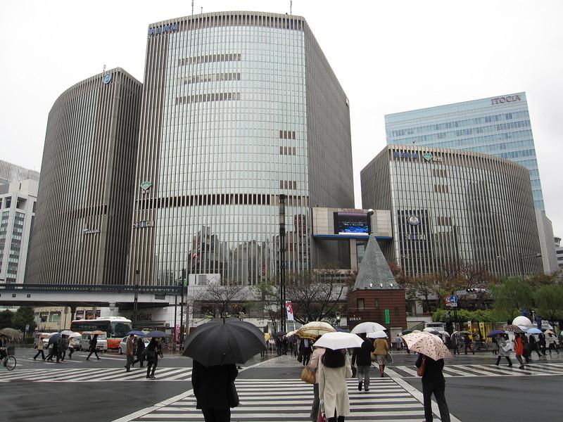Yurakucho Marion Building (Seibu and Hankyu Department Stores)