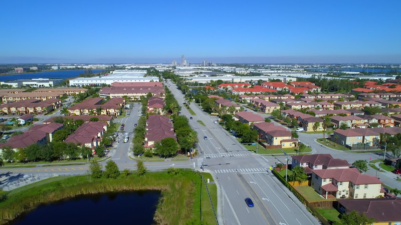 Aerial lateral footage Doral residential neighborhoods 4k 24p