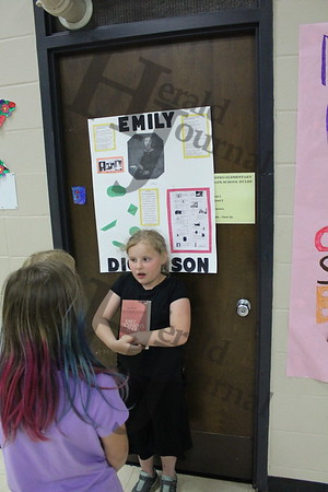 WInsted Elementary living wax museum