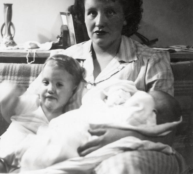 1949_Claudia,Ireta,ConnieWheeler.jpg