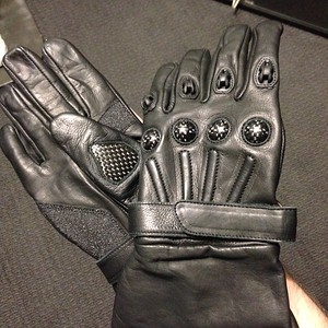 Judge Gloves