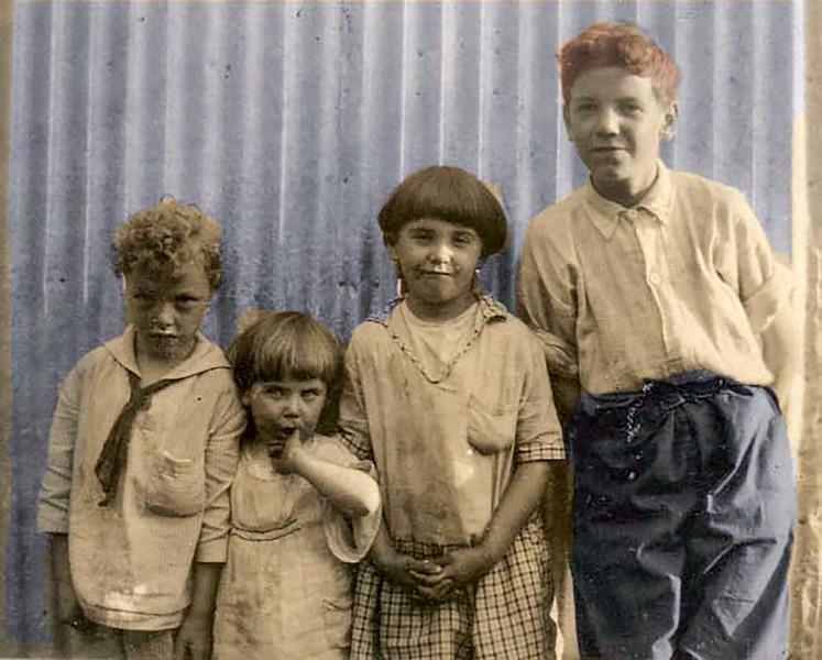 1927_Group.jpg