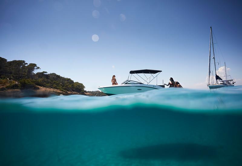 2020-SPX-190-ob-lifestyle-underwater (3).jpg