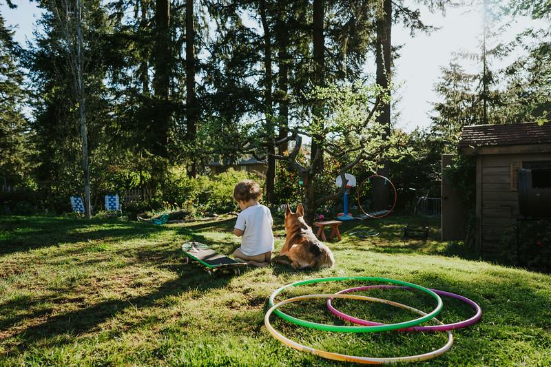 AprilAfternoon-backyard-2.jpg