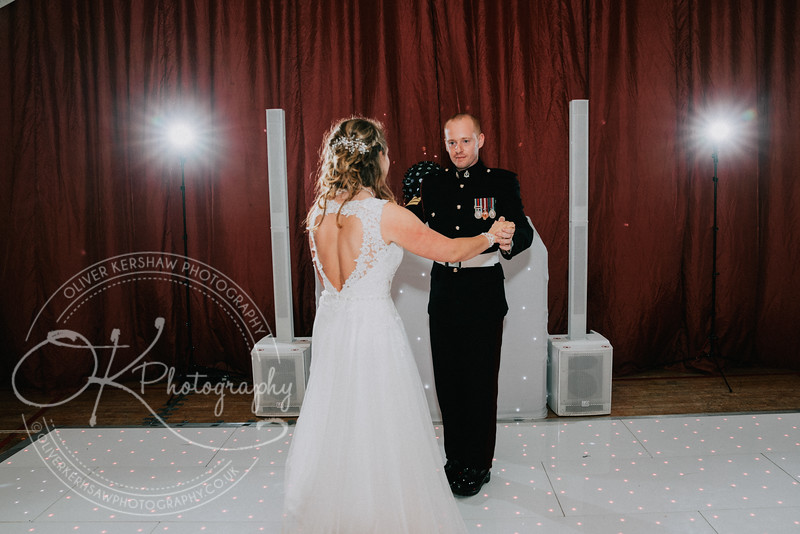Wedding-Perry & Tara-By-Oliver-Kershaw-Photography-201910.jpg