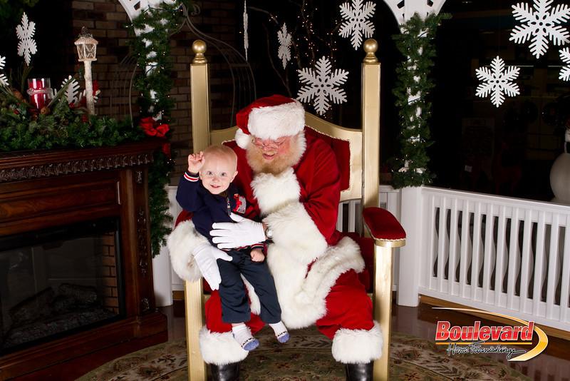 Santa Dec 15-213.jpg