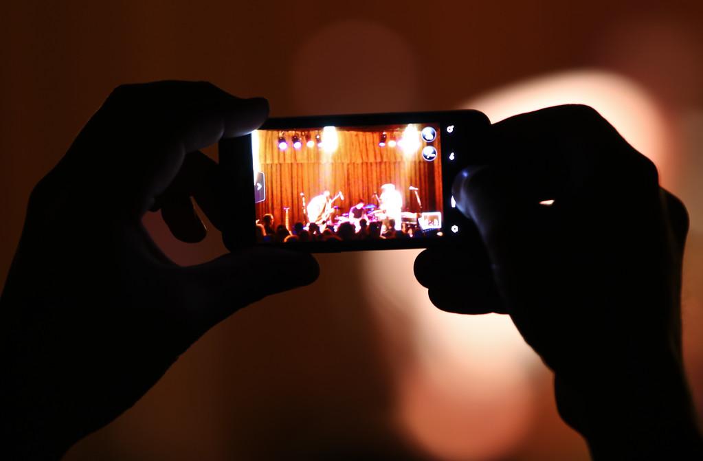 12/7/11<br /> <br /> Taken during a concert shoot, FL 200mm.