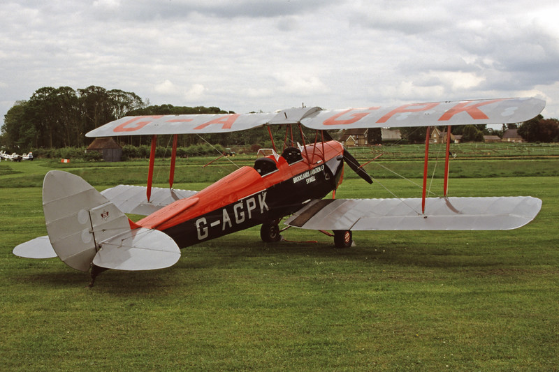 G-AGPK-DH82ATigerMoth-Private-OldWarden-1999-05-15-GB-27-KBVPCollection.jpg