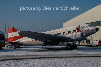 N86U Douglas DC3