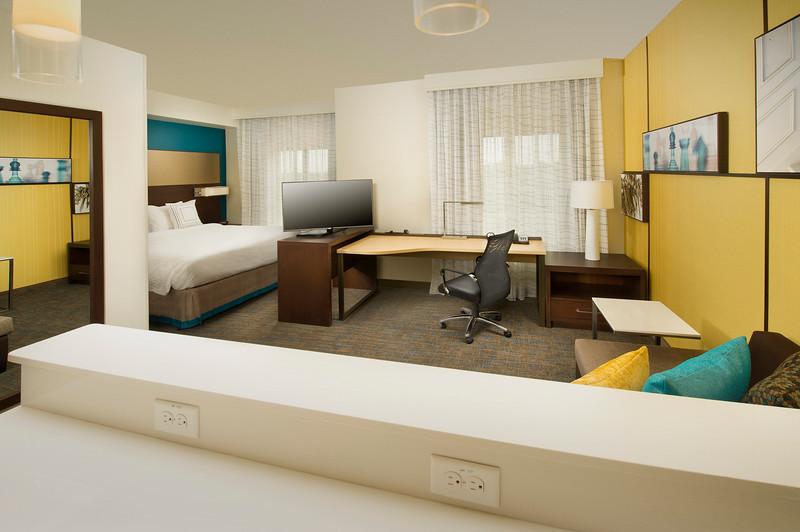 13 - Studio Suite Living Area - RI Texarkana.jpg