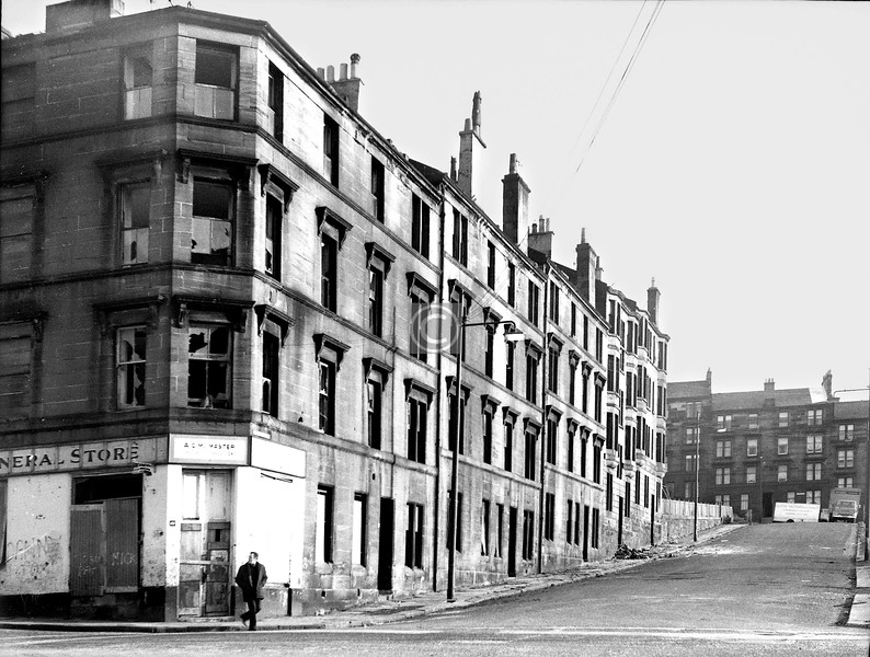 Looking up Edmund St from Dunchattan St to Cardross St.   (This is a best guess as my note here is deficient. Feel free to correct me, Dennistonians.)     January 1974