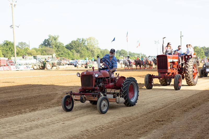 Antique Tractor Parade-111.jpg