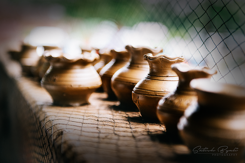 Pottery pots at Agadi Thota