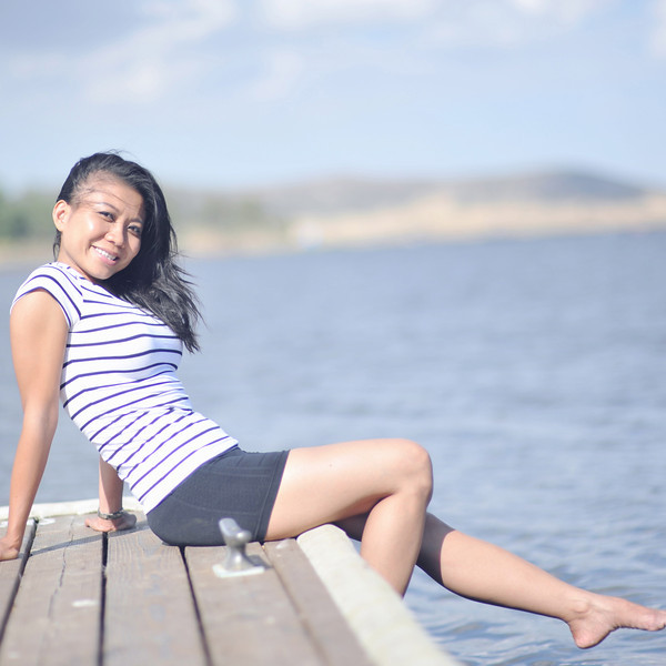 We headed off to Cuyamaca lake in east San Diego county.  A beautiful lake and this is Tu posing on the pier.