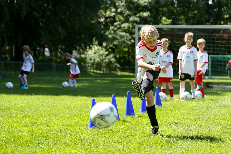 hsv_fussballschule-440_48047956546_o.jpg