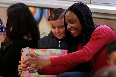 Coronado and Franklin high schools Holiday Blessings Drive