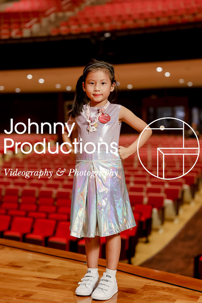 0007_day 1_orange & green shield portraits_red show 2019_johnnyproductions.jpg
