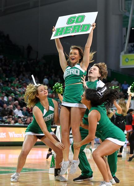 cheerleaders5085.jpg