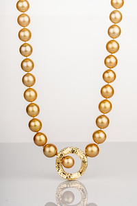 100319 pearls