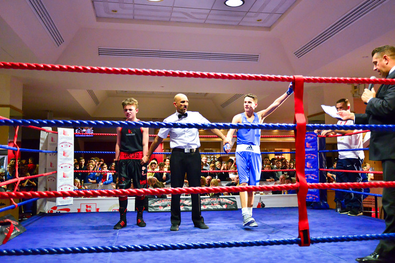 -FIN Nov Stadium of Light Boxing800_34631259.jpg