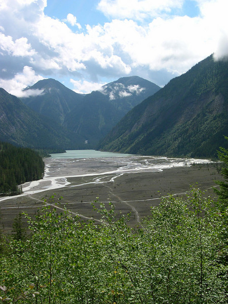 Progress: The Kinney Lake Campground is back around the corner on the left side of the lake.