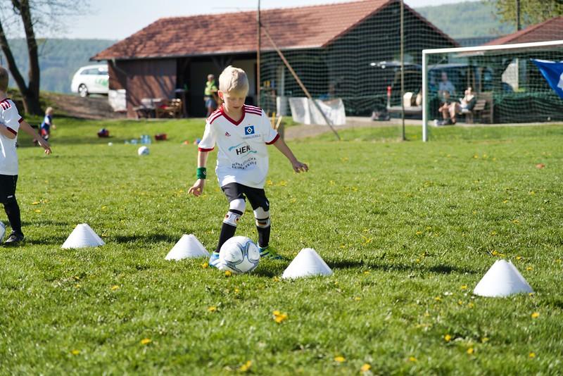 hsv-fussballschule---wochendendcamp-hannm-am-22-und-23042019-u69_40764452963_o.jpg
