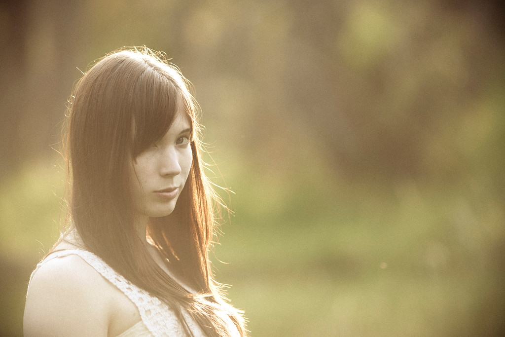 Sarah-lilred-AlexGardner-101010-05