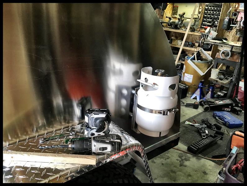 Manchester 5 pound propane tank mounted to powertank bracket