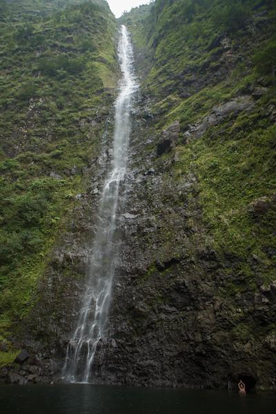 hanakoa-falls-8.jpg