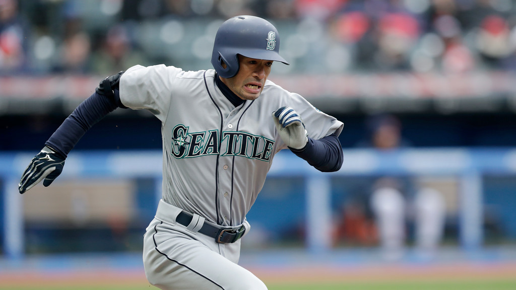 . Seattle Mariners\' Ichiro Suzuki runs out a ground ball in the fourth inning of a baseball game against the Cleveland Indians, Saturday, April 28, 2018, in Cleveland. (AP Photo/Tony Dejak)
