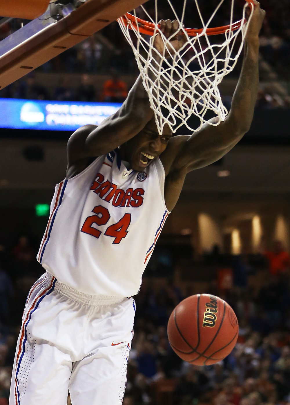 . Casey Prather #24 of the Florida Gators dunks against the Minnesota Golden Gophers during the third round of the 2013 NCAA Men\'s Basketball Tournament at The Frank Erwin Center on March 24, 2013 in Austin, Texas.  (Photo by Ronald Martinez/Getty Images)