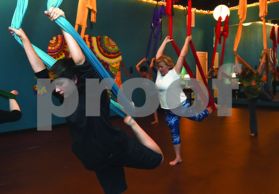 fly-and-love-yoga-lounge-encourages-creativity
