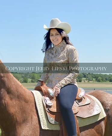 Jennifer's Senior Images at Vicki's