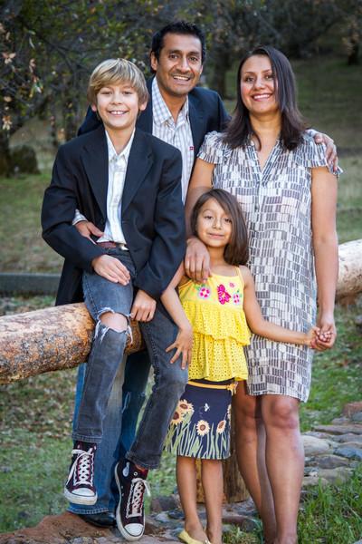 11-24 Sena Family-47.jpg