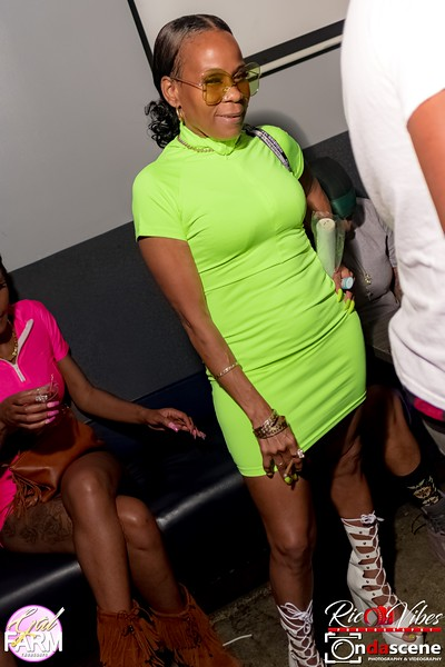 GAL FARM THURSDAYS PRESENTS IT'S GLOW NEON EDITION-143.jpg