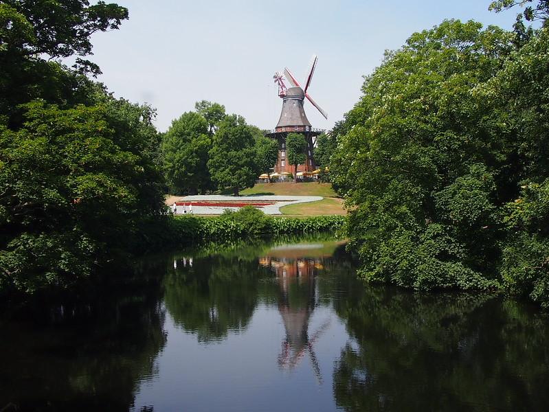 P7043159-windmill.JPG