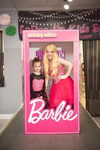 2020-0104-delaney-barbie-party-142.jpg