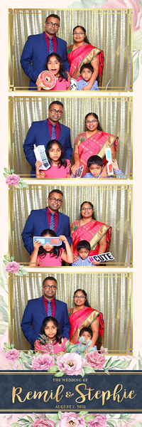 Alsolutely Fabulous Photo Booth 031329.jpg