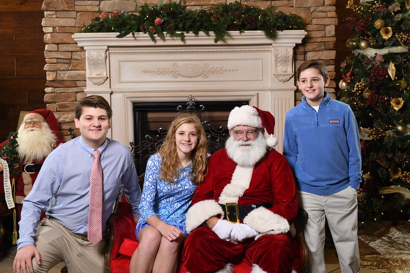 Santa2018.TylerBoye.-76.jpg