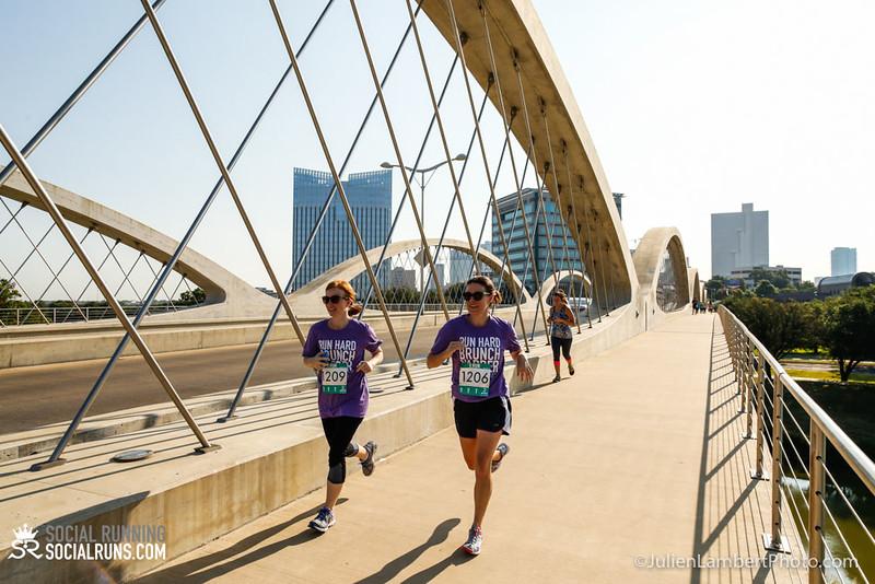 Fort Worth-Social Running_917-0606.jpg