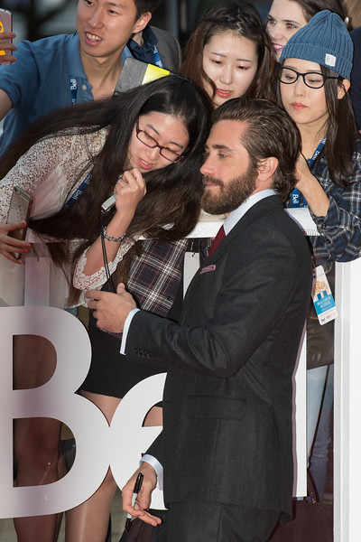 Jake Gyllenhaal and Fans at Roy Thompson Hall