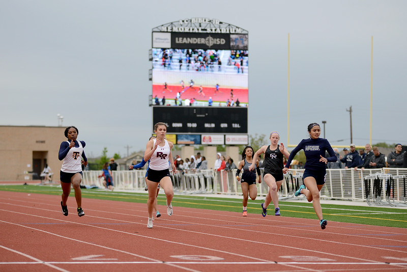 HS-Track-13-6A-District-Championships_020.jpg