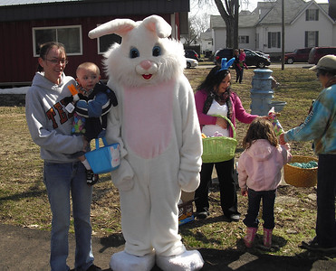 Easter egg hunt 040213