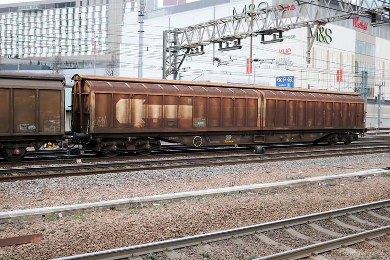 70.2795317-1 seen at Stratford on 6v78 Tilbury-Troste   13/01/18