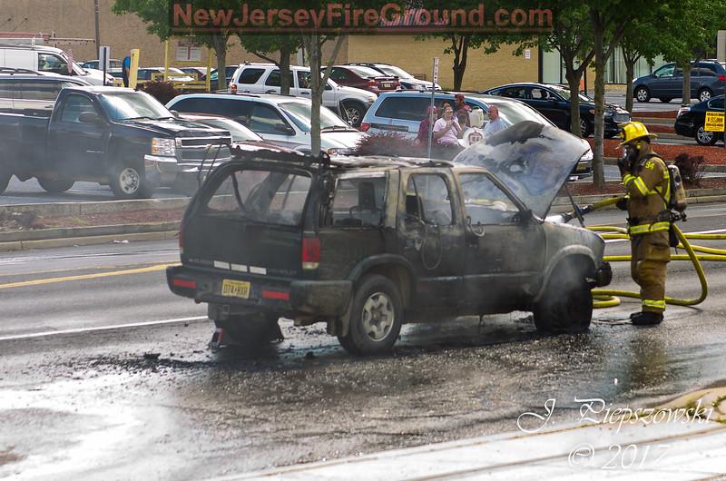 6-26-2017 (Camden County) GLOUCESTER TWP. 1227 Blackwood-Clementon Rd. - Vehicle