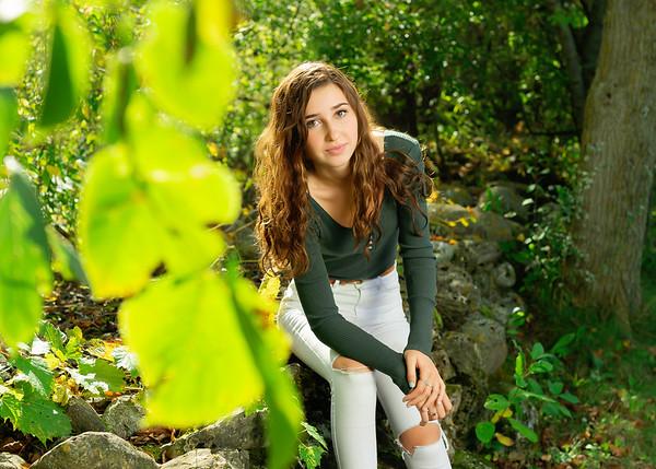 Senior: Lauren