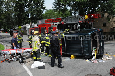 Reading, MA - MVA Rollover w/ Entrapment - West St/Willow St/Summer Ave - 8/9/11