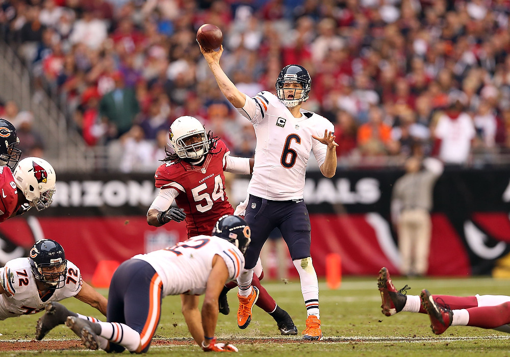 . Quarterback Jay Cutler #6 of the Chicago Bears throws a pass during the NFL game against the Arizona Cardinals at the University of Phoenix Stadium on December 23, 2012 in Glendale, Arizona. The Bears defeated the Cardinals 28-13.  (Photo by Christian Petersen/Getty Images)