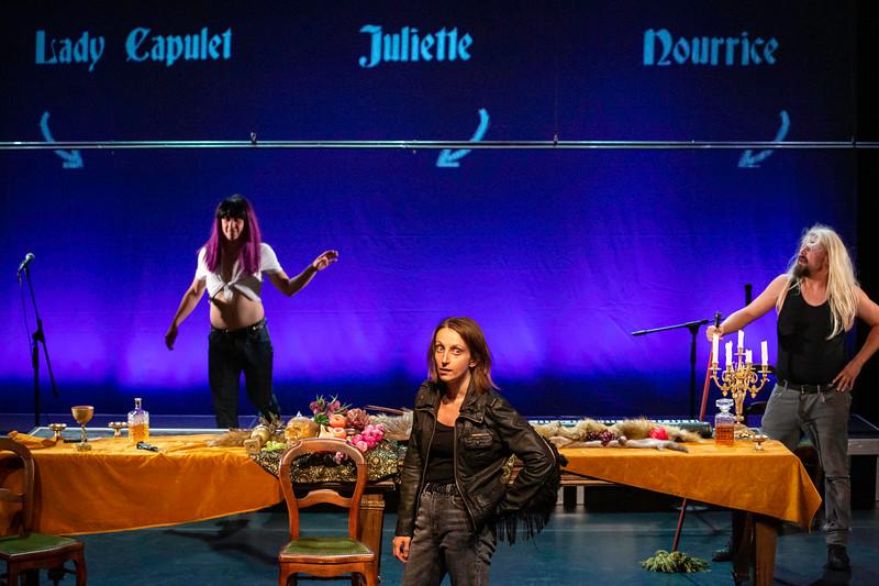 COMPAGNIE DERIVATION_Roméo & Juliette-10.jpg