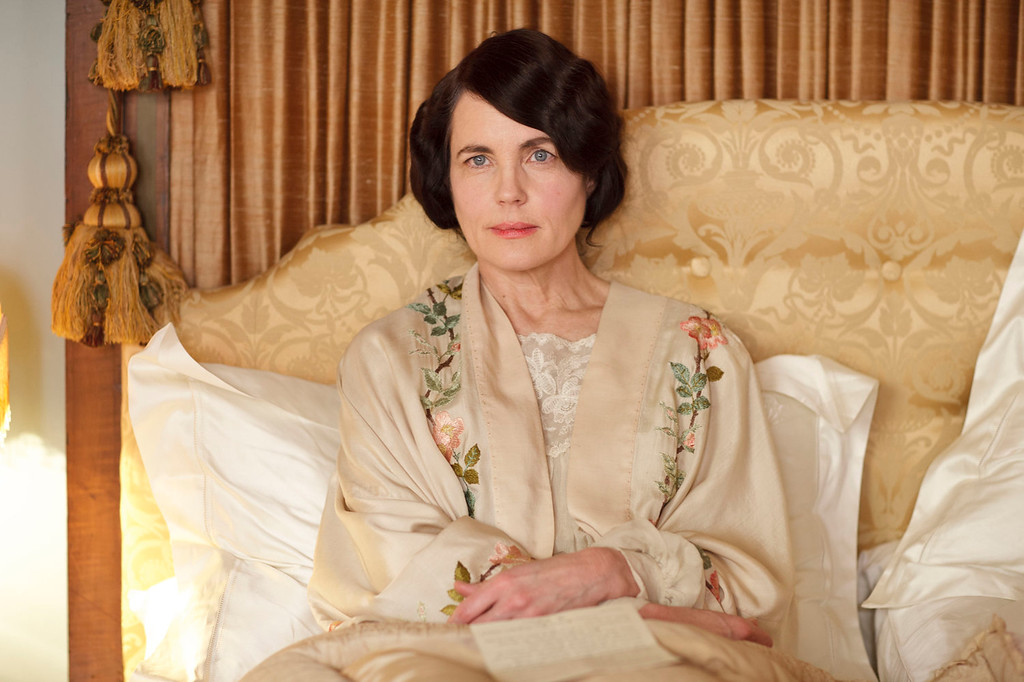 """. Elizabeth McGovern as Lady Cora. The fourth season of \""""Downton Abbey\"""", set in 1922, sees the return of our much loved characters. As they face new challenges, the Crawley family and the servants who work for them remain inseparably interlinked.   (Photo by Nick Briggs/Carnival Films & Television Limited 2013 for MASTERPIECE)"""